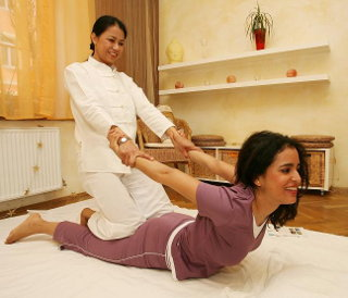 Traditionelle Thaimassage (Thai Massage, Nuad Thai) in Gersthofen und Augsburg